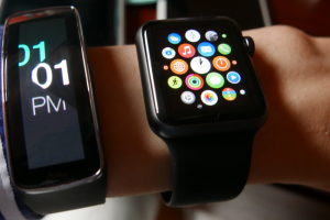 galaxy-gear-fit-apple-watch